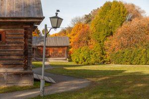 Болдинская осень. Усадьба Пушкина. Надворные постройки. Красивые осенние фото